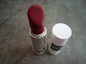 EM Matte Lipstick in Passion Berries